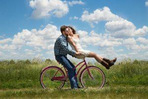 К чему снится велосипед, значение сна с фото