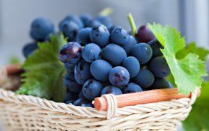 К чему снится виноград, значение сна с фото