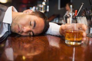 К чему снится пьяный человек, значение сна с фото