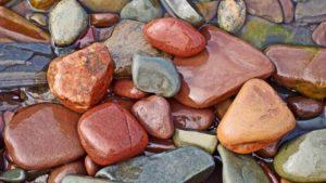 К чему снятся камни, значение сна с фото