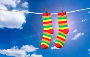 К чему снятся носки, значение сна с фото