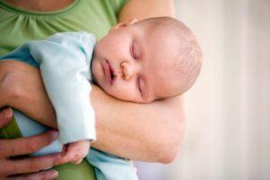 К чему снится мальчик на руках, значение сна с фото