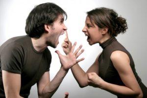 Ссориться с недругом