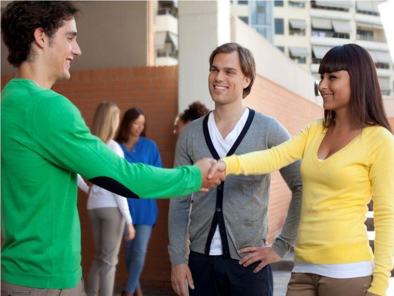 Завязывать новые знакомства